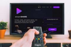 Watching_stream-share-2048x1123